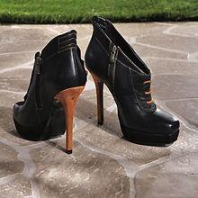 Dizilerin Yeni Gözdesi 2iki Ayakkabıları