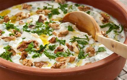 Karatay Mutfağı Cevizli Kereviz Salatası Tarifi