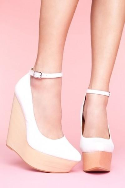 2012 Yaz Dolgu Topuk Ayakkabı Modelleri