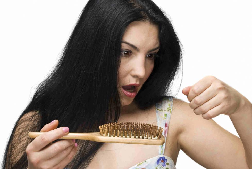 Saç Dökülmesi Bir Hastalıktır
