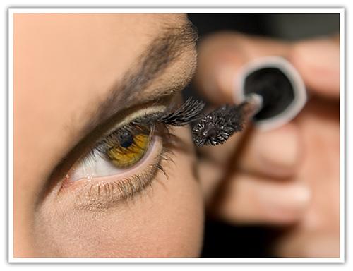 Kadınların En Çok Kullandığı Makyaj Malzemesi: Rimel