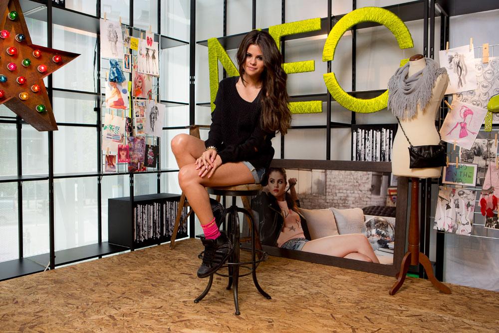 Adidas 2013 Sonbahar Kış Koleksiyonu'nda Selena Gomez imzası
